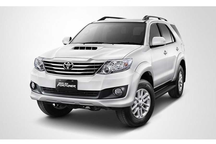 Toyota Fortuner car on rent at best price